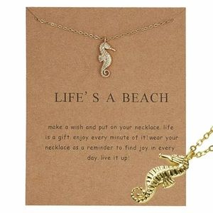 Jewelry - 🐚☀️🐠NEW! Seahorse necklace